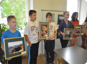 Коллекции фоторабот учащихся православной школы подарены детским больницам