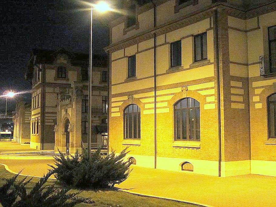 Antiguos edificios industriales que ahora son otra cosa for Oficina union fenosa