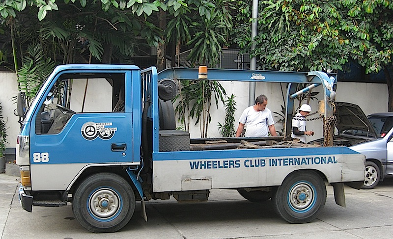 tow truck of Wheelers Club
