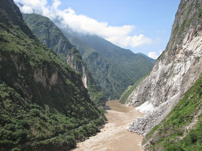 Tiger Leaping Gorge between the Jade Dragon (Yulong) Snow Mountain and Haba Snow Mountain (2012)