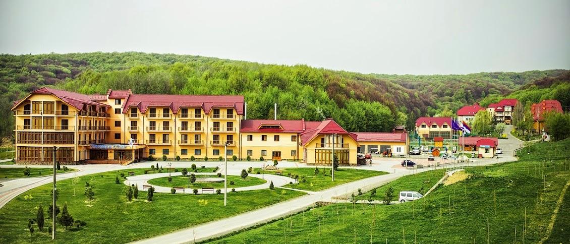 Glatt Kosher Pesach 2015 in Carpathian Mountains - Hosted by ShaiBarIlan