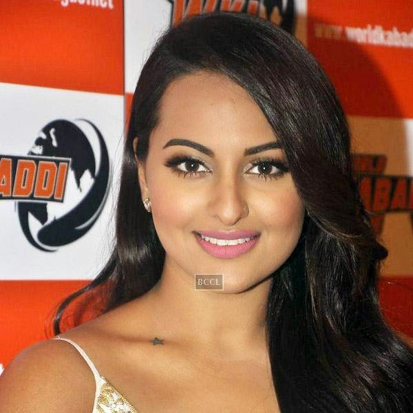 Sonakshi Sinha strikes a pose for the lens during a press meet to announce her association with World Kabaddi League (WKL), held at hotel Novotel, on July 16, 2014.(Pic: Viral Bhayani)