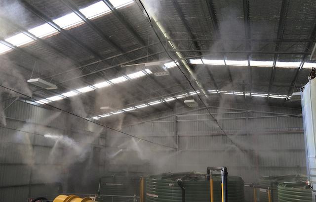 Máy phun sương công nghiệp được ứng dụng để khử mùi và bụi bẩn