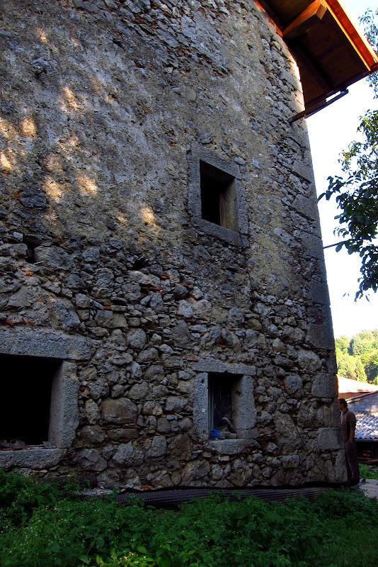 Livek - south wall