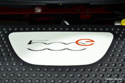 Fiat 500e emblem
