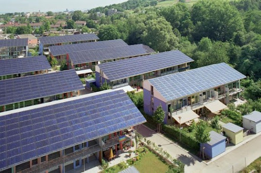 The Financial Benefits And Drawbacks Of Using Solar Energy Image