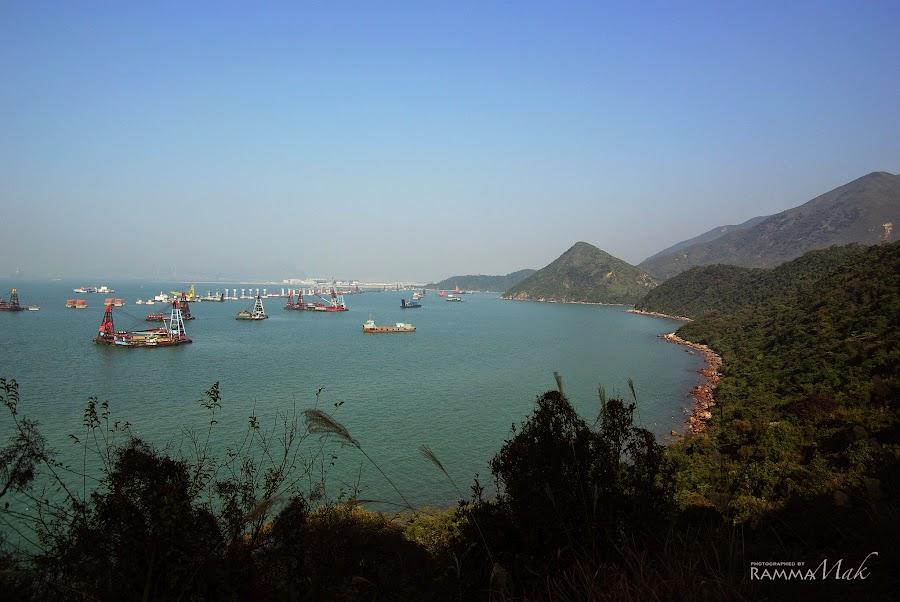 遠眺港珠澳大橋的工程