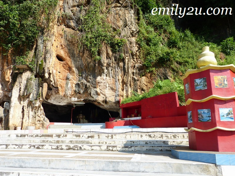 Lotus Flower Cave Temple