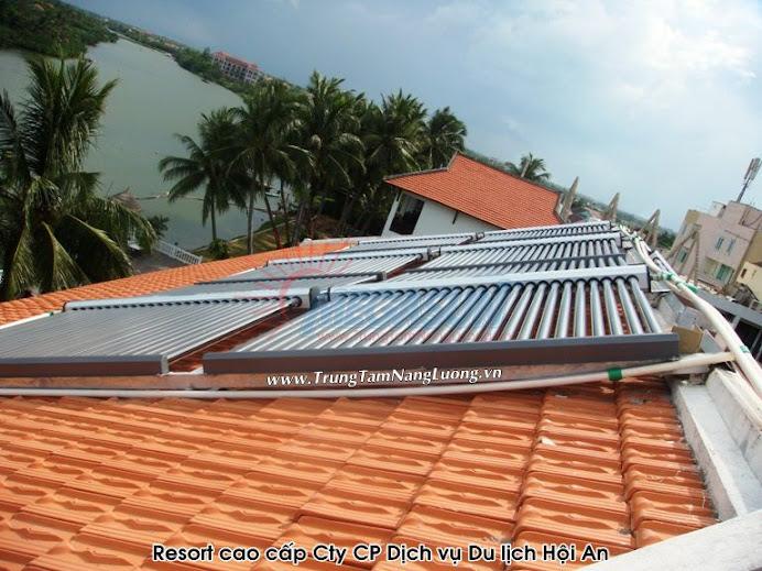 Resort cao cấp - Công ty CP Dịch vụ - Du lịch Hội An sử dụng hệ thống máy nước nóng năng lượng mặt trời MEGASUN công suất 7000 lít kết hợp bơm nhiệt dự phòng.