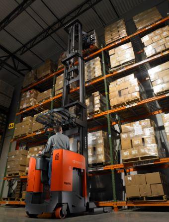 Xe nâng reach truck kho hẹp 0909648178