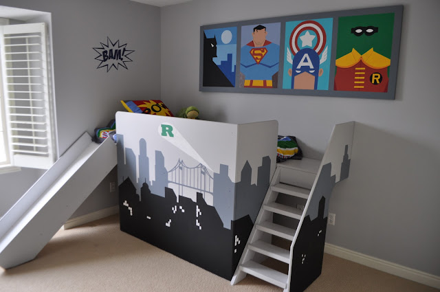 since i shared the awesome superhero party last week i thought id share this really fun superhero bedroom from i am momma hear me roar - Superhero Bedroom