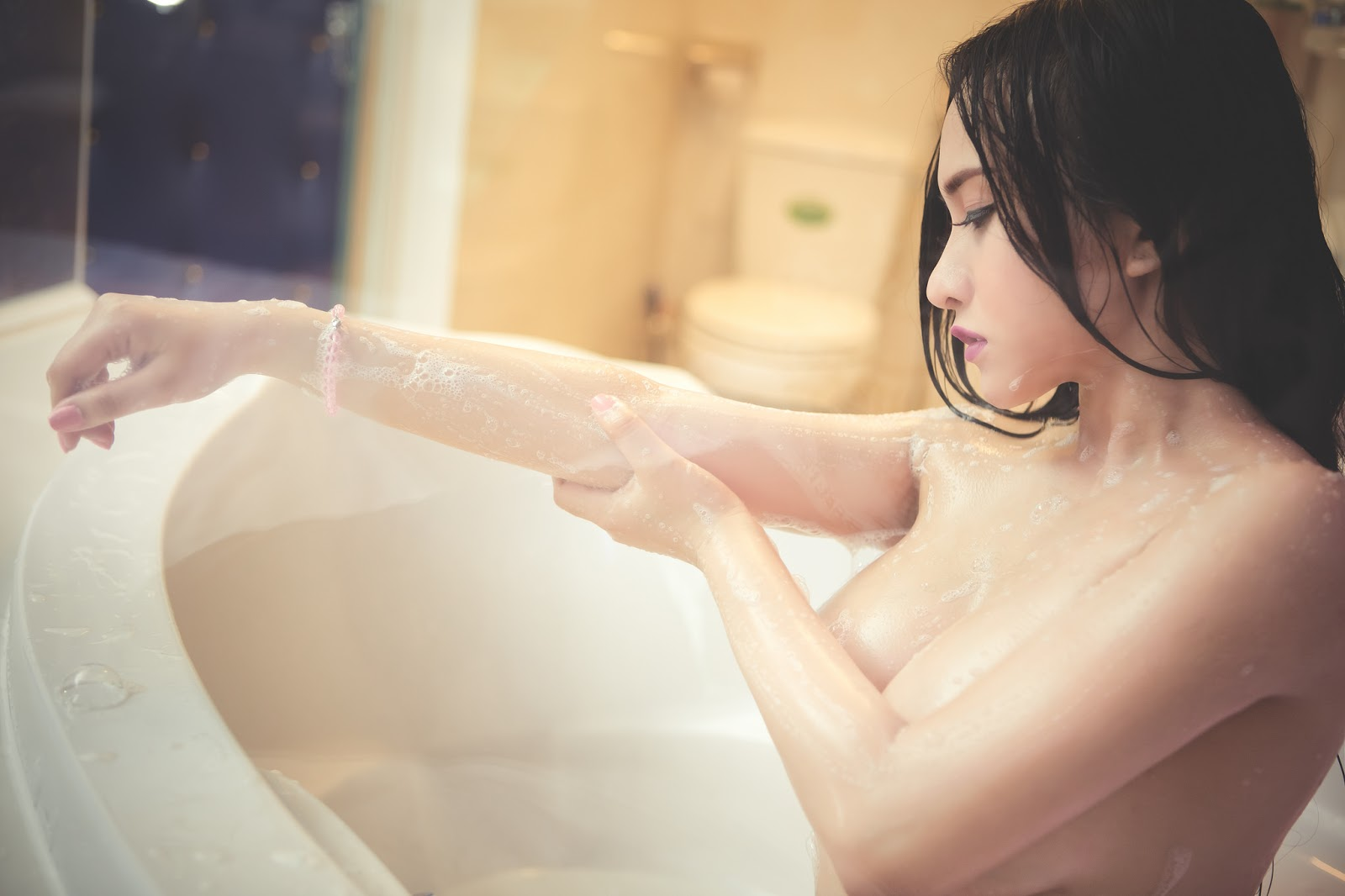 anh-nude-hot-girl-11.jpg