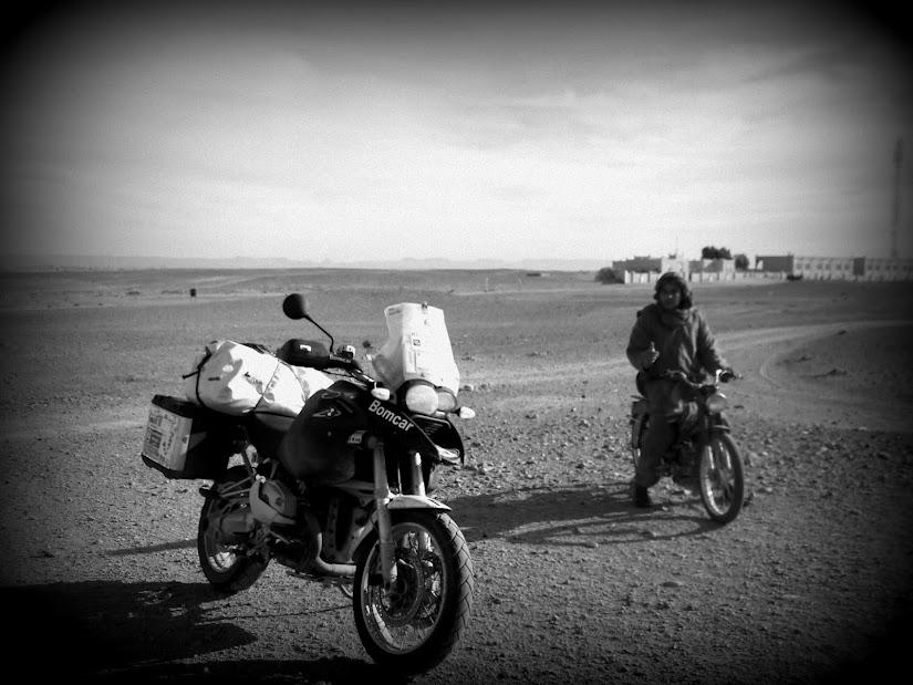 Marrocos e Mauritãnia a Queimar Pneu e Gasolina - Página 13 DSCF1455