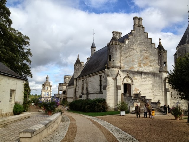 Dating LOCHES 37