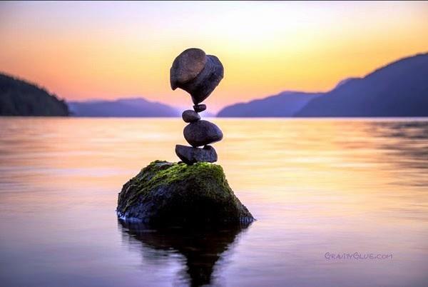 Sửng sốt với những tác phẩm xếp đá tuyệt hảo chỉ bằng lực hút Trái Đất