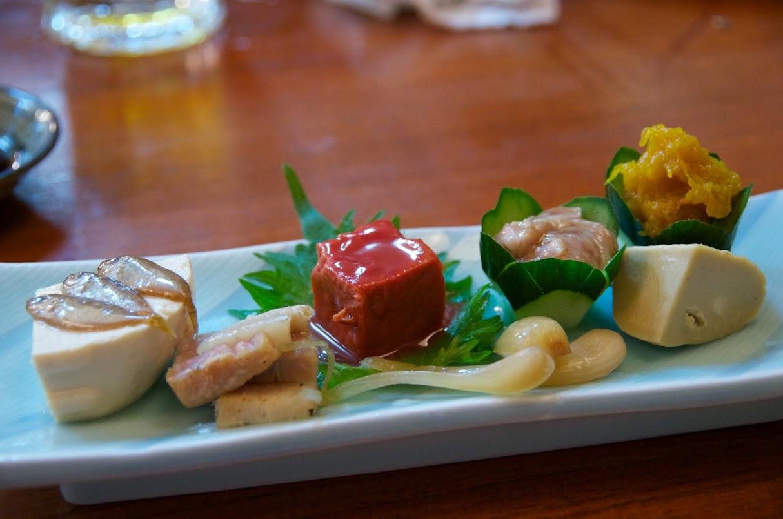 沖縄料理(豆腐よう、スクガラス豆腐、島らっきょ等)味処 田舎家