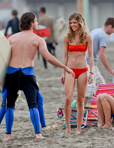 AnnaLynne McCord beach