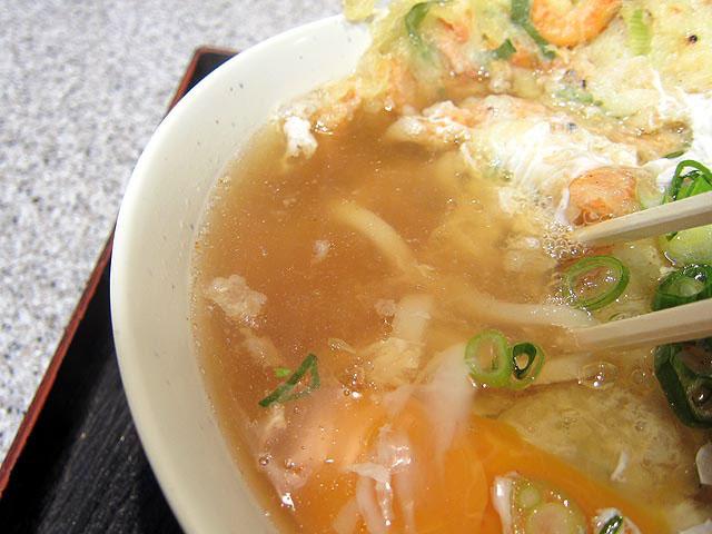 透明感のある関西風のスープ