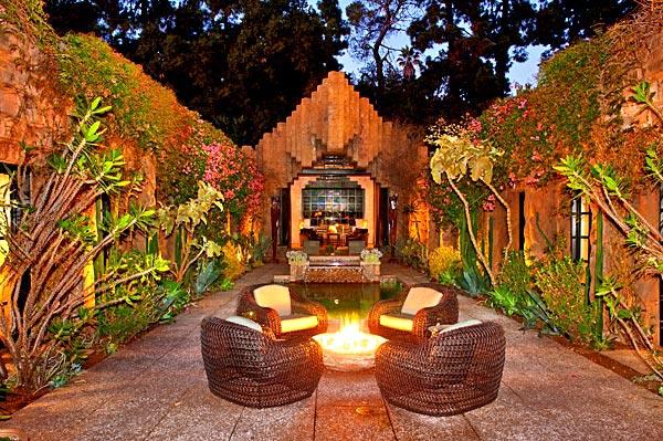 Роскошный дом Джорджа Ходела в стиле храма майя, как он выглядит сегодня