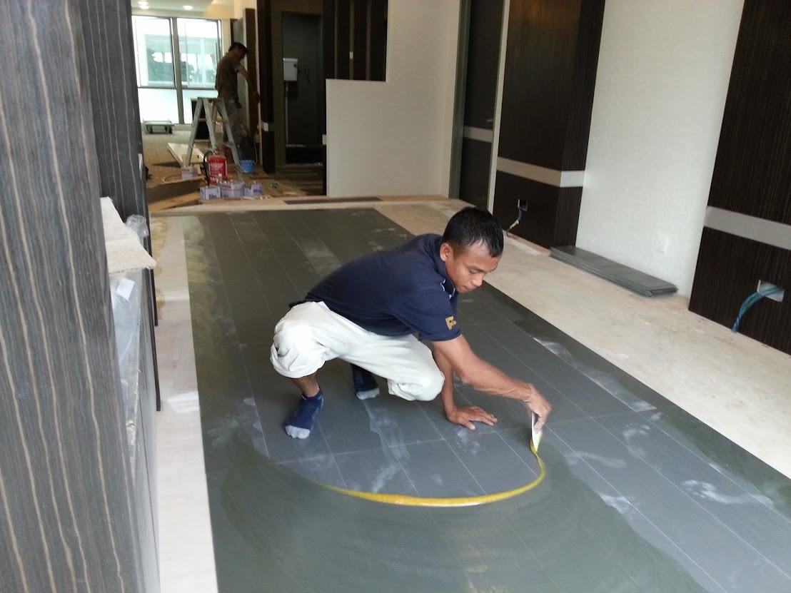 install vinyl wooden floor