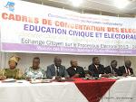Des membres du bureau de la commission électorale nationale indépendante(Ceni) le 24/02/2014 à Kinshasa, lors d'une rencontre avec les acteurs de la société civil. Radio Okapi/Ph. John Bompengo