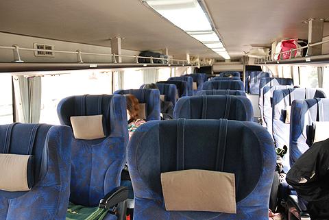 西日本JRバス「東海道昼特急大阪6号」 744-3901 車内 三菱エアロキング(MU612TX)