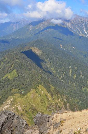 焼岳から西穂高岳にかけての稜線