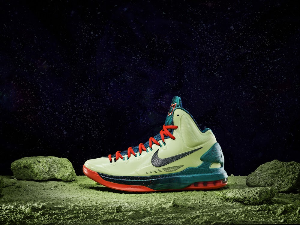 separation shoes 4a547 e157f ... Nike Unveils the Extraterrestrial LeBron X AllStar Game Edition ...