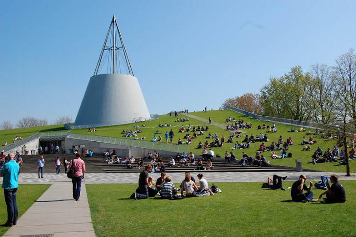 8.+tu-delft-library-exterior-dome