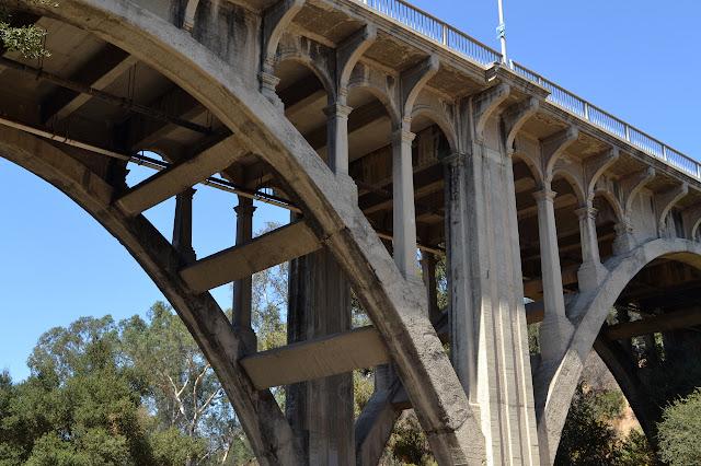 La Loma Rd. bridge