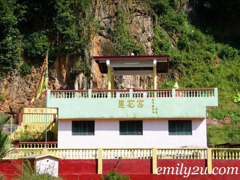 Lotus Flower Cave Temple @ Taman Kemuncak, Ipoh Garden East
