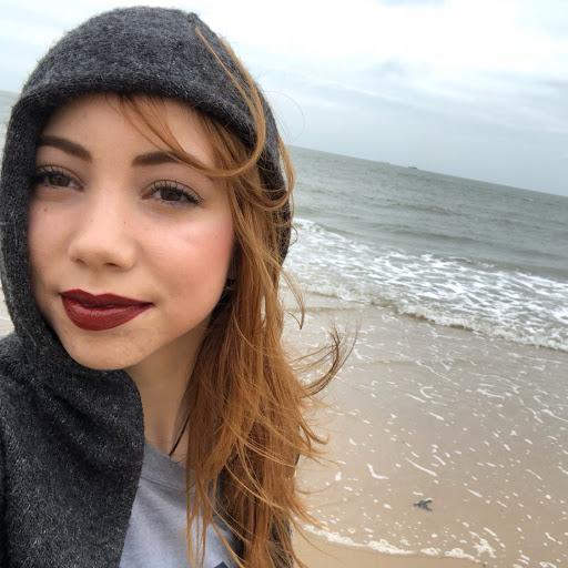 Andrea Esteban avatar