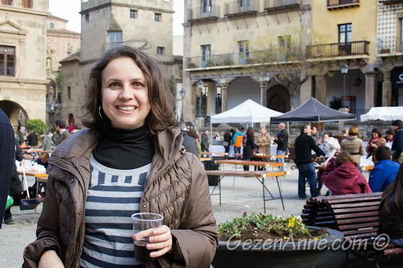 gastronomi fuarında şarap tadımı, Poble Espanyol Barselona