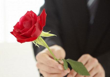 Tặng hoa hồng