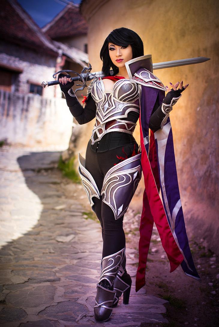 Ngắm cosplay Fiora Quạ Đêm cực chất của Yaya Han - Ảnh 2