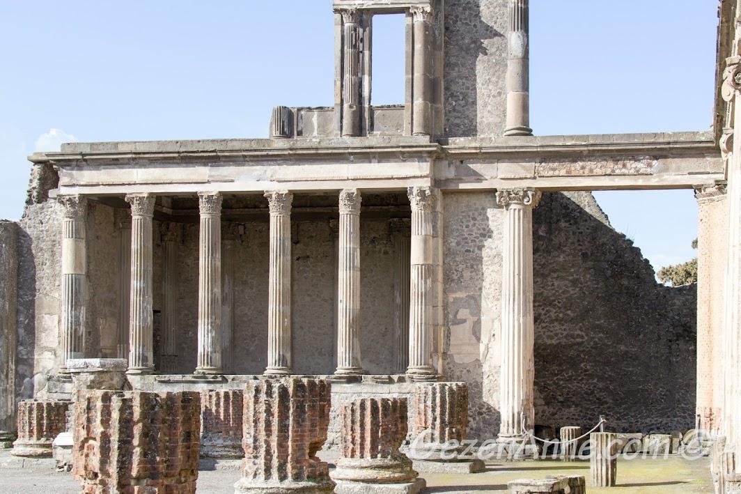 Pompei sokakları