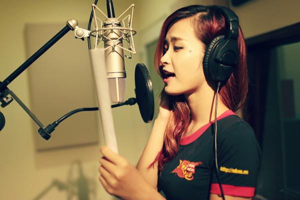 Đông Nhi khoe giọng với ca khúc Nghĩa Giang Hồ 8