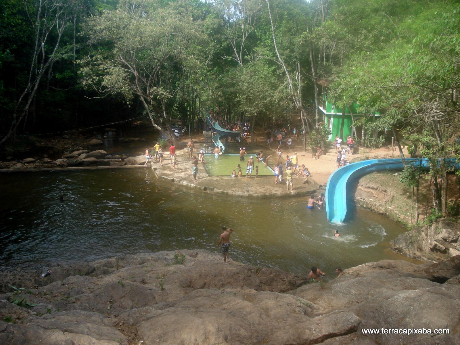 Em familia na cachoeira com a madrasta 3