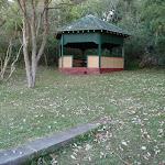 Plenty of picnic facilities at Bradleys Head (57650)