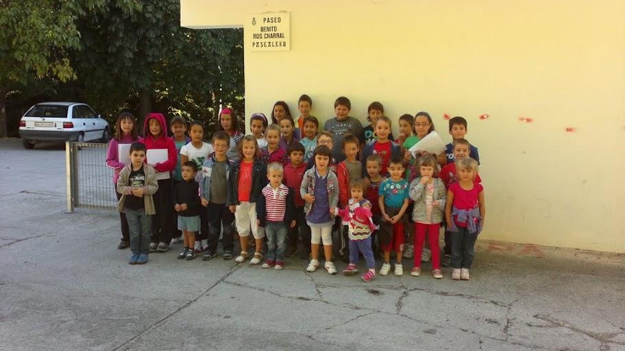 Alumnos y alumnas del curso 2012-13, en el Paseo de Benito Ros