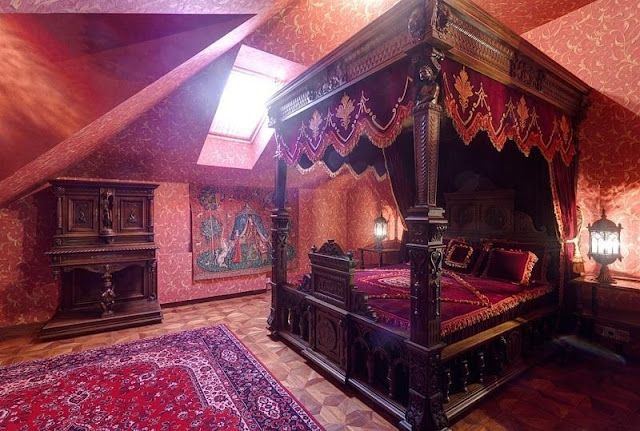 Old world gothic and victorian interior design more old for Pagan decorations for the home
