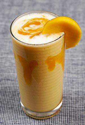 mango-lassi1 পাঁকা আমের লাস্যি