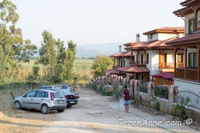 azmak kıyısında kalmış olduğumuz Kerme Ottoman River villa apartlar