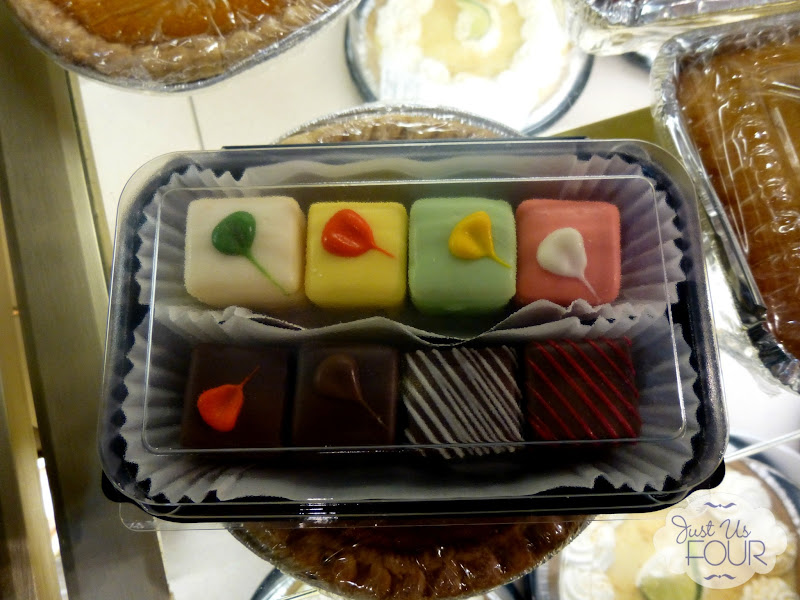 Petit Fours in Container