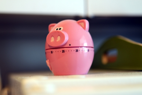The only thing wrong with this novelty pig timer is that it rings instead of oinking when the time is up.