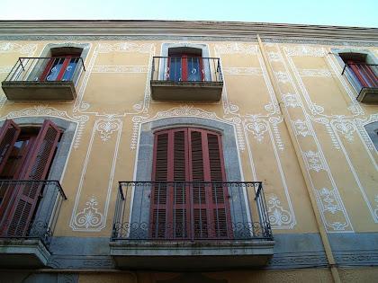 Façana del carrer Teresa Oller de La Casa Viader