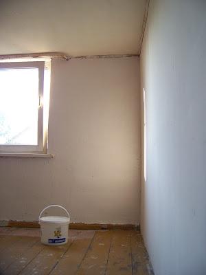 pracownia biała podłoga białe ściany odbicie światła Panorama LeSage Pracownia plastyczna Darłowo Anna Grabowska styl shaby chic minimalizm róż pastele sekretarzyk biżuteria diy