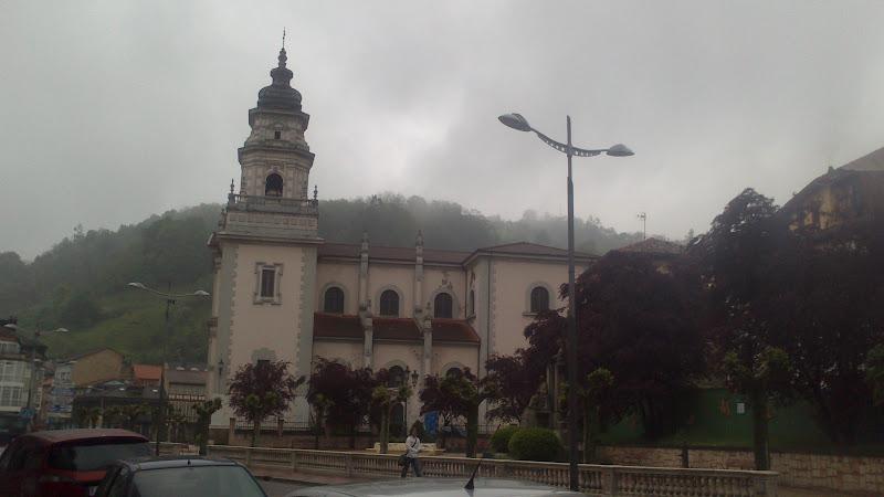 Iglesia de San Juan Bautista de Mieres