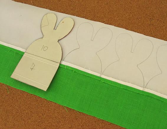 Riscar molde na barra de tecido