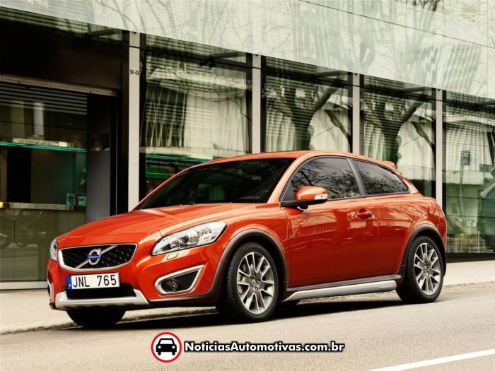 Volvos garage 2011 volvo c30 tem preo reduzido no reino unido 15000 libras fandeluxe Image collections